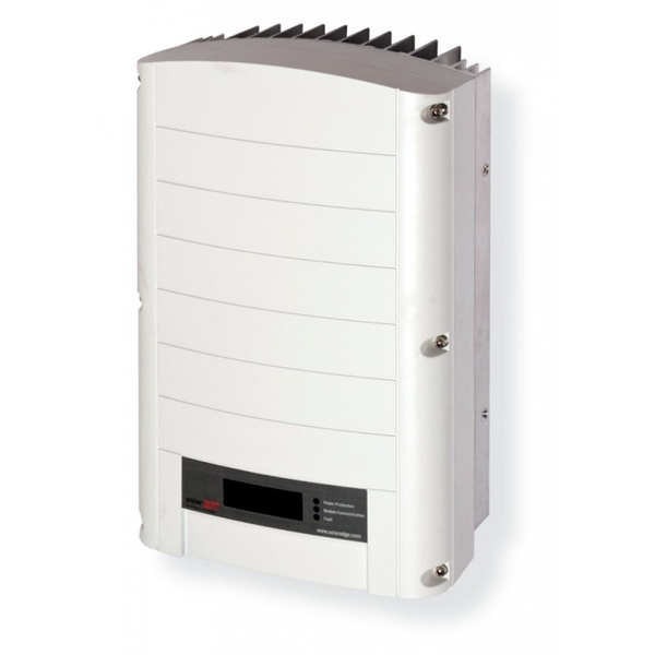 Solaredge SE4000 solar inverter