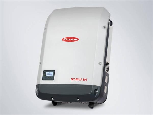 Fronius Eco 27.0-3 light solar inverter